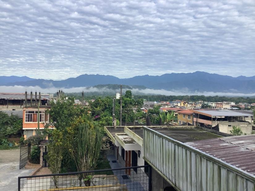 厄瓜多亞馬遜小鎮 Tena ㄧ景